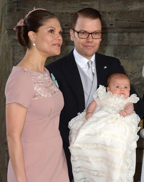 Estelle kastettiin toukokuussa 2012.