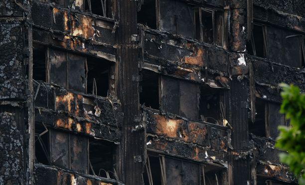Grenfell Towerin tuhoutunutta ulkoseinää.