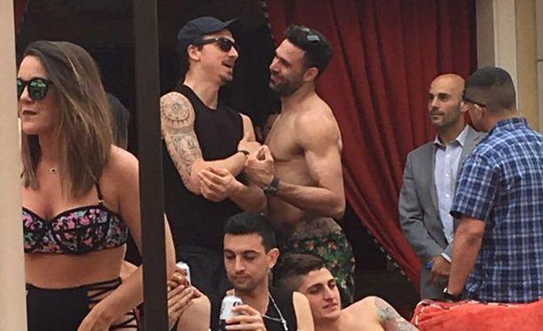 Zlatan juhlimassa Las Vegasissa toissaviikon sunnuntaina.