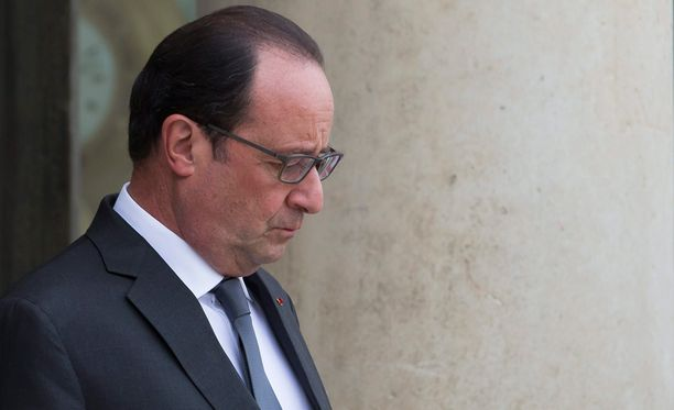 Vaikka me suremme, mikään ei meitä tuhoa, Hollande totesi.