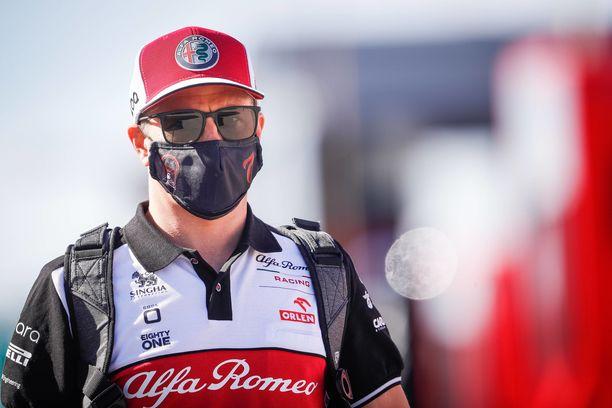 Kimi Räikkönen pyysi Alfa Romeota antamaan tarkempaa tietoa.