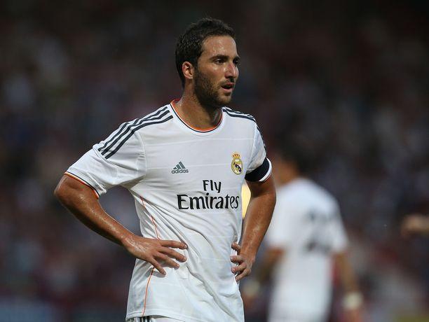 Gonzalo Higuaín Real Madridin paidassa viimeisellä kaudellaan 2013.