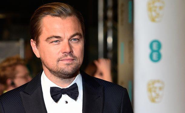 Oikea Leo kärkkyy uransa ensimmäistä pääosa-Oscaria.