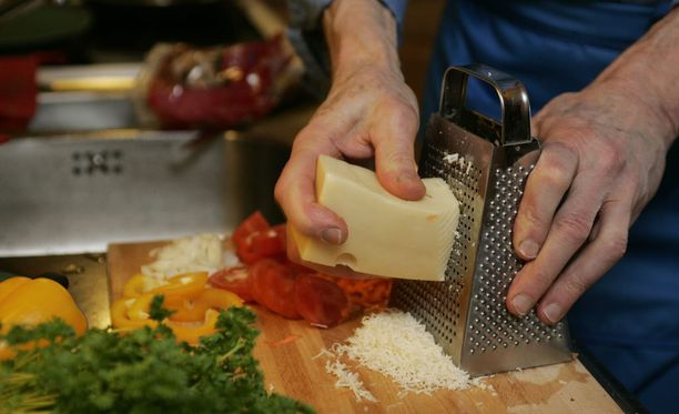 Onko rasvaton, juuton kaltainen tuote enää juusto? Kuvan juusto ei liity tapaukseen.