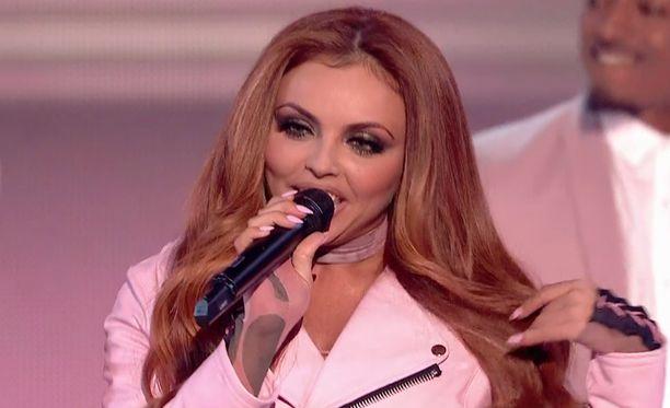 Little Mix muistetaan kappaleista Shout Out To My Ex, Salute ja Black Magic.