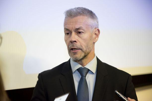 THL:n Taneli Puumalainen sanoo, että lokakuussa saadaan ratkaisevia tutkimustuloksia koronarokotteesta.