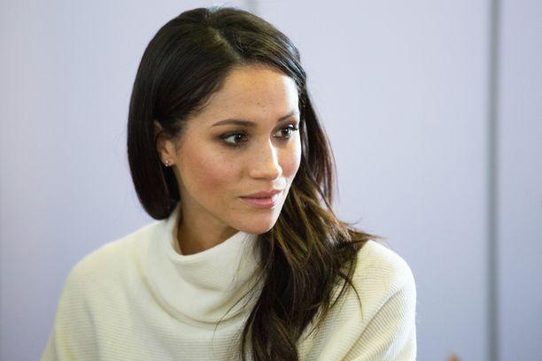 Meghan on ennen näytellyt yhdysvaltalaisessa Suits-sarjassa Rachel Zanea.