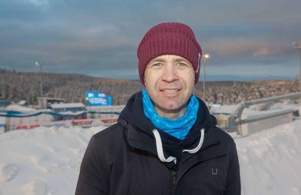 Ole Einar Björndalen työskentelee tällä kaudella norjalaiskanavan ampumahiihtoasiantuntijana.