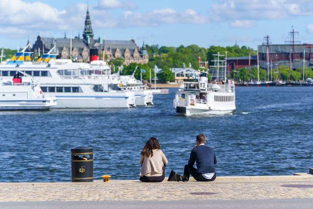 Pitkittynyt korona vaikuttaa monien ruotsalaisten elämään. Kuvituskuva Tukholmasta.