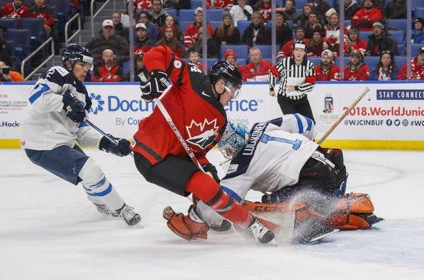 Miro Heiskanen (vas.) varattiin viime kesän NHL-draftissa numerolla kolme.