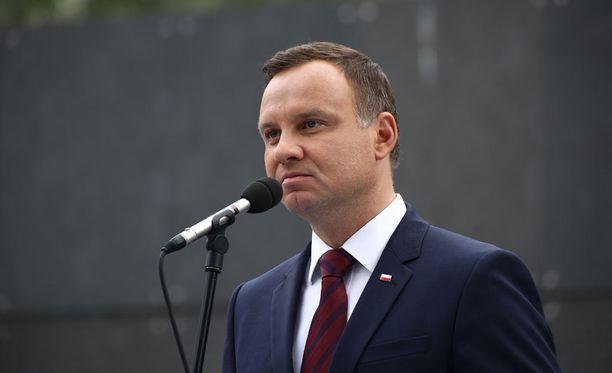 Puolan presidentti Andrzej Duda väläyttää kansanäänestystä turvapaikanhakijoista.