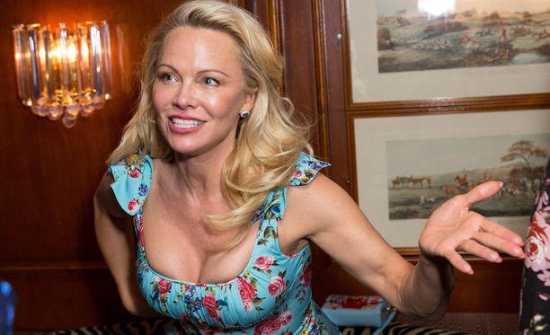 Pamela Andersonia ei ollut tunnistaa hillitymmässä meikissä.