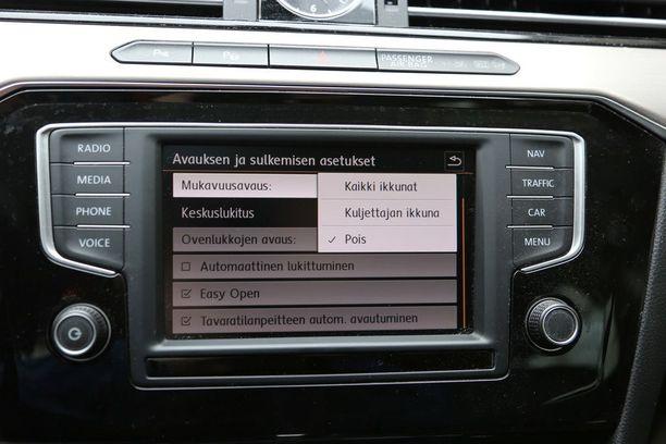 Ovien, ikkunoiden ja luukkujen avautumisasetuksia pystyy säätämään auton valikosta. Jos mukavuusavausta ei oikeasti tarvitse, se kannattaa kytkeä pois päältä.