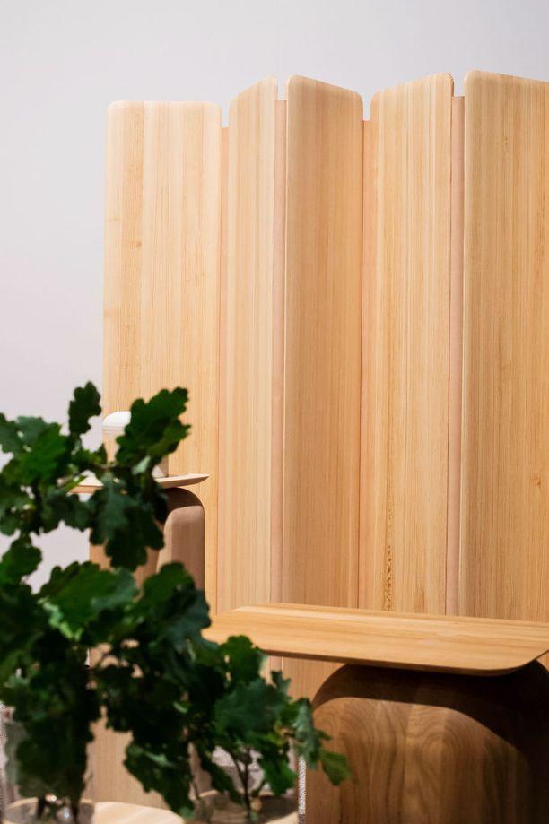 Puinen tilanjakaja on samaan aikaan kodikas ja tyylikäs valinta. Kuvan tilanjakaja on Nikarin.