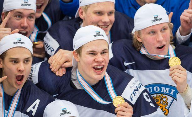 Sebastian Ahon, Jesse Puljujärven ja Patrik Laineen tähdittämät nuoret Leijonat aloittivat suomalaisen jääkiekon hullun vuoden.