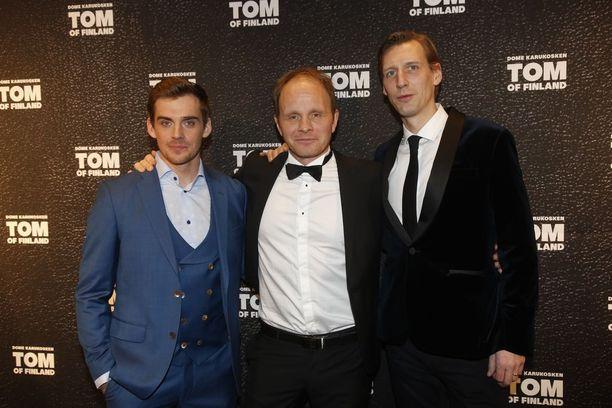 Tom of Finland -elokuvan Lauri Tilkanen, Dome Karukoski ja Pekka Strang.