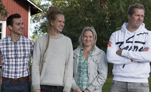 Heikki, Lauri, Sanna ja Aapo ovat tiukan paikan edessä.