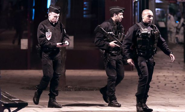 Ranskalaisia poliiseja Pariisissa toukokuussa 2018.