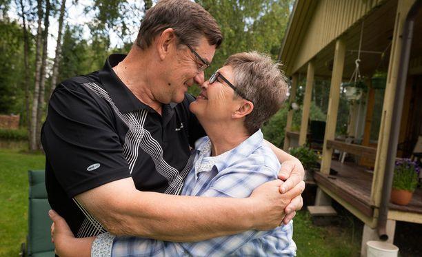 Ritva Virtanen ja Kalevi Tiihonen peräänkuuluttavat rehellisyyttä.