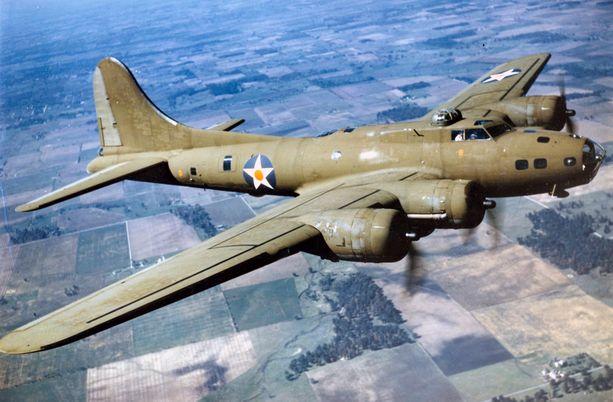 Boeing B-17 -pommittajat olivat raskaasti aseistettuja.
