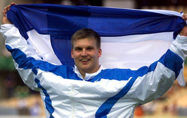 Aki Parviainen nousi keihäänheiton maailmanmestariksi vuonna 1999.