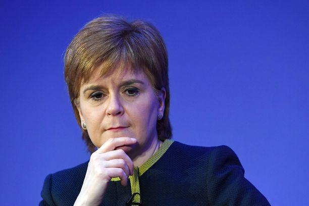 Pääministeri Nicola Sturgeon antoi keskiviikkona Skotlannin parlamentille esityksen lakimuutoksista, joilla saataisiin uusi kansanäänestys aikaan.