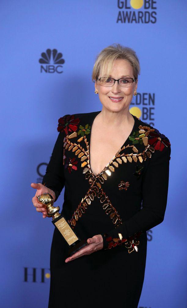 Meryl Streep palkittiin Golden Globessa elämäntyöstään näyttelijänä.