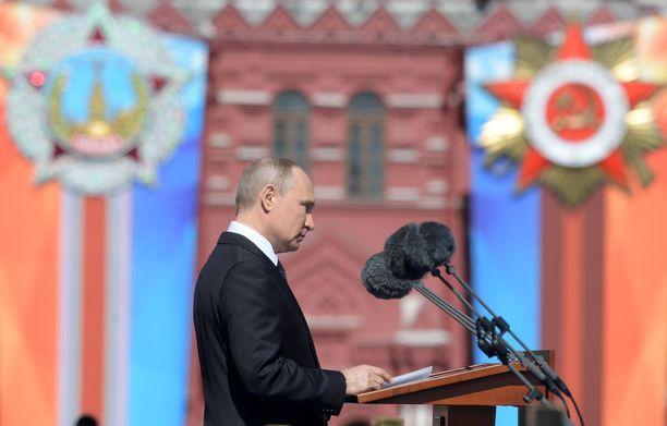Venäjän presidentti Vladimir Putin kehui Neuvostoliiton ja Venäjän saavutuksia voitonpäivän puheessaan Moskovassa keskiviikkona.