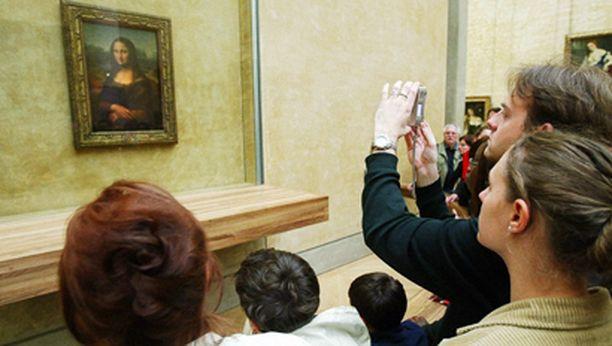 Mona Lisan suojana on luodinkestävä lasi.