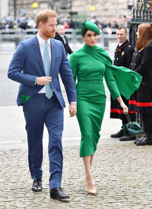 Harry ja Meghan tarvitsevat arvioiden mukaan 20 miljoonan punnan vuositulot pitääkseen yllä kuninkaallista elintasoa.
