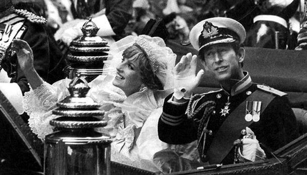 Jos Diana ja Charles olisivat pysyneet naimisissa, he juhlisivat 25-vuotishääpäiväänsä ensi lauantaina.