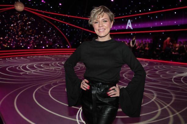 Saana Akiola ei päässytkään tällä kaudella Tanssii tähtien kanssa -lattialle tanssinopettajana.