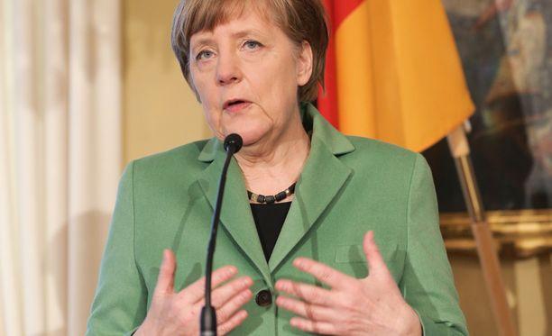 Tuoreen Wikileaks-vuodon mukaan Angela Merkelillä on ollut tiedossa jo neljä vuotta sitten, että Kreikka ei saa talouttaan kuntoon.