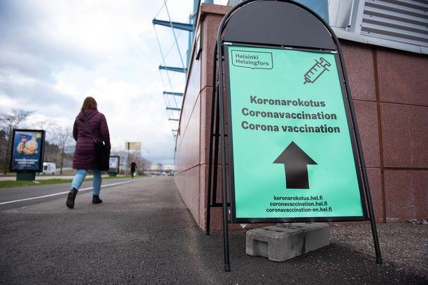 Ensi viikolla Helsinki aloittaa nuorten riskiryhmäläisten koronarokotukset.