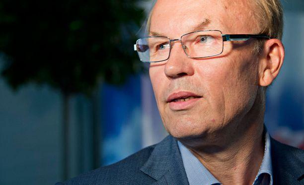 Matti Alahuhdalle esitetään jatkoa EK:n puheenjohtajana.
