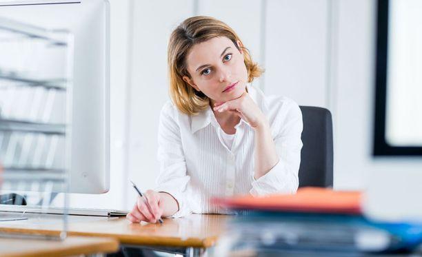 Vaikka työ ei miellytä, kannattaa miettiä, ennen kuin tekee ratkaisevia päätöksiä.