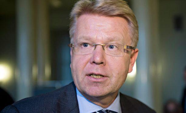 Toimitusjohtaja Jyri Häkämiestä ei voi syyttää yrityksen puutteesta eikä passiivisuudesta. Pärjääkö hän, toisin kuin edeltäjänsä, SAK:n ja vasemmiston mestarineuvottelijoille sitten kun todellinen peli alkaa?