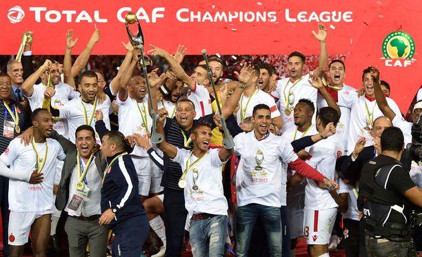 Wydad Casablancan joukkue pääsi mestaruuden makuun ensi kertaa 25 vuoteen.