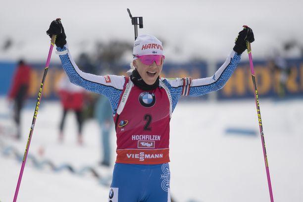 Kaisa Mäkäräinen otti lauantaina Itävallassa kauden kolmannen voittonsa maailmancupissa.