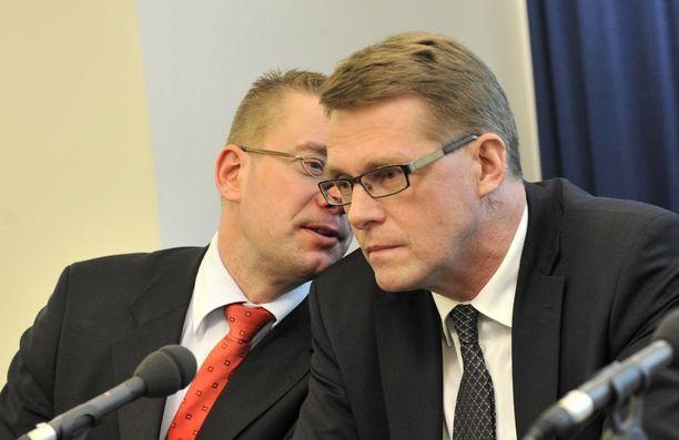 Vuonna 2010 Matti Vanhanen oli pääministeri, Stefan Wallin kulttuuri- ja liikuntaministeri. Nyt he vaikuttavat ulkoasiainvaliokunnassa.