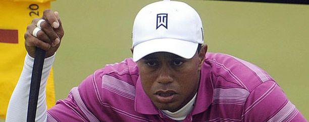 Tiger Woods on yhä eniten tienaavin urheilija.
