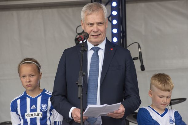 Pääministeri Antti Rinne oli juhlistamassa Suomen EU-puheenjohtajuuden alkua Helsingissä maanantaina.