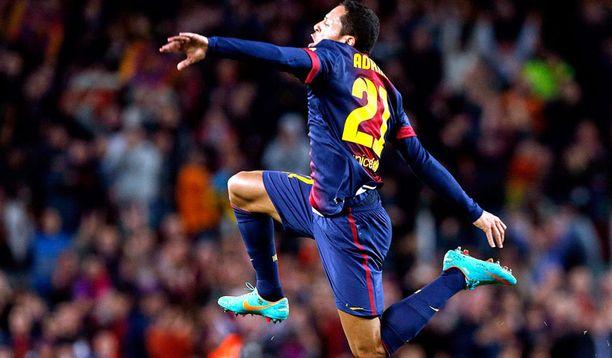 Adriano teki kauden kuudennen maalinsa. Sillä lukemalla entinen Sevillan mies on Barcelonan toiseksi paras maalintekijä Lionel Messin jälkeen.