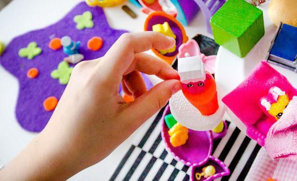 Lapsiasiavaltuutettu Tuomas Kurttila sanoo, että valvontatyö osoittaa merkittäviä ongelmia kuntien lastensuojelussa.