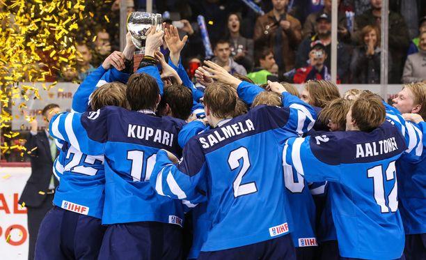 Pikkuleijonat juhli eilen alle 18-vuotiaiden MM-kultaa Venäjän Tsheljabinskissa. USA kaatui finaalissa 3-2.