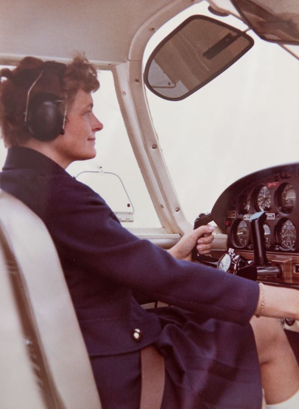 Mittarilentäjäksi Orvokki Kuortti pätevöityi vuonna 1969, ensimmäisenä naisena Suomessa.