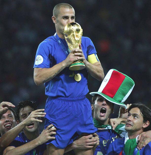 Fabio Cannavaro kipparoi Italian maailmanmestaruuteen kesällä 2006. Nykyään hän valmentaa Kiinan Superliigassa Guangzhou Evergrandea.
