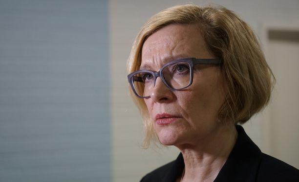 Sisäministeri Paula Risikko kommentoi sote-palveluita.