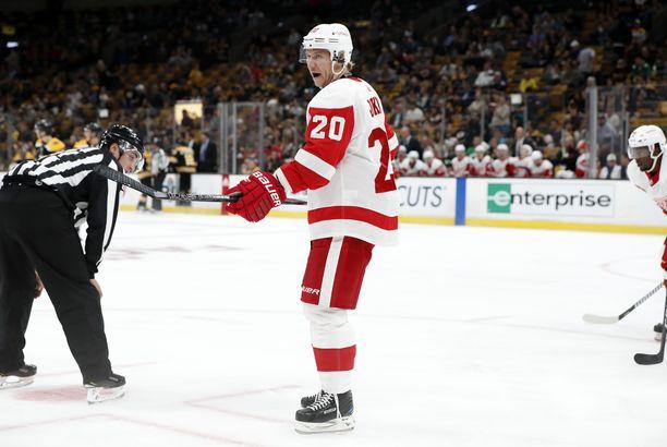 Jussi Jokisen näytöt eivät riittäneet pelipaikkaan Detroitissa.