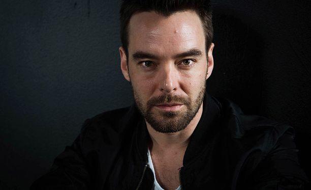 Mikko Leppilampi on tunnettu näyttelijä, juontaja ja laulaja.
